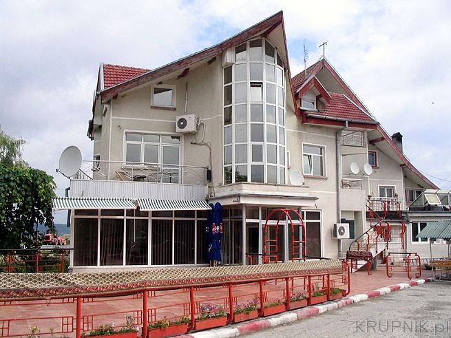 chorwacja apartamenty z basenem nad morzem istria hotele